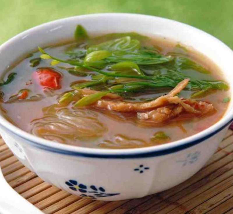 Gaeng Phak Wan Pla Yang (Vegetable Curry with Grilled Fish)