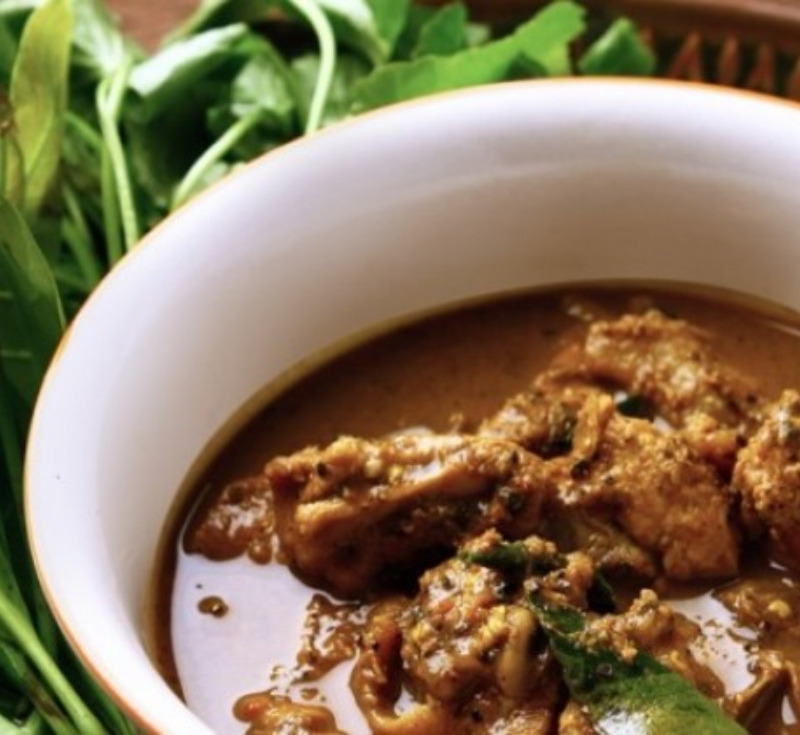 Gaeng Kui Gai Baan (Chicken in Red Curry)
