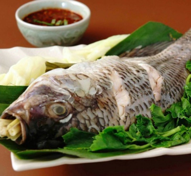 Pla Nung Jim Jao (Steamed fish and Jao Bong)