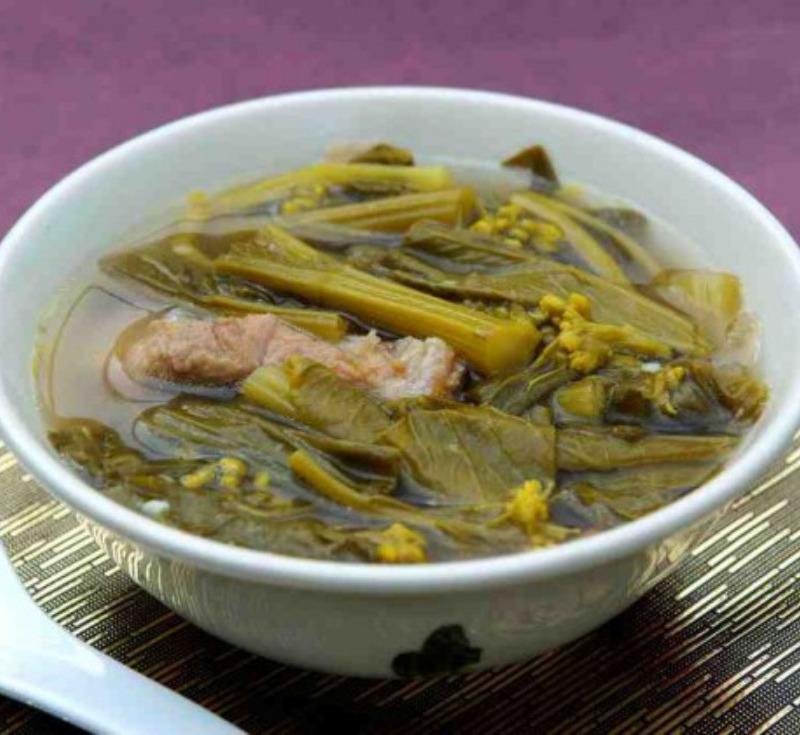Phak Kad – Jor(Sour Soup with Pork Ribs and Thai Flowering Pak Choy)