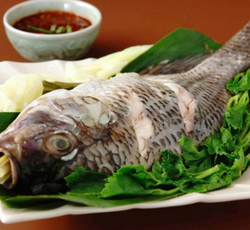 ปลานึ่งจิ้มแจ่ว
