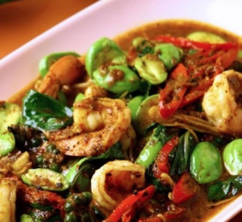 Pad Sataw Goong (Stir-Fried Prawns with Bitter Bean)