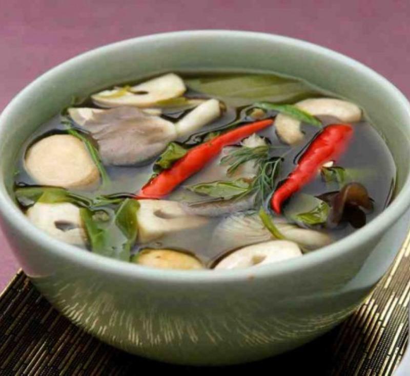 Gaeng Hed (Thai Mushroom Soup)