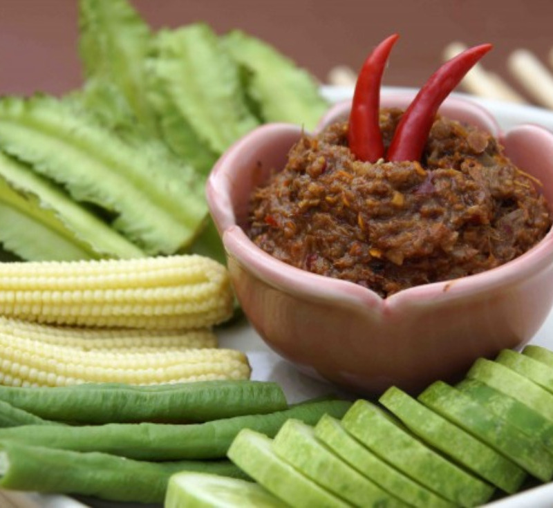 Pla-Raa Sup Song-Khreuang (Jao Bong)(Pickled Fish with Herbs Dip)