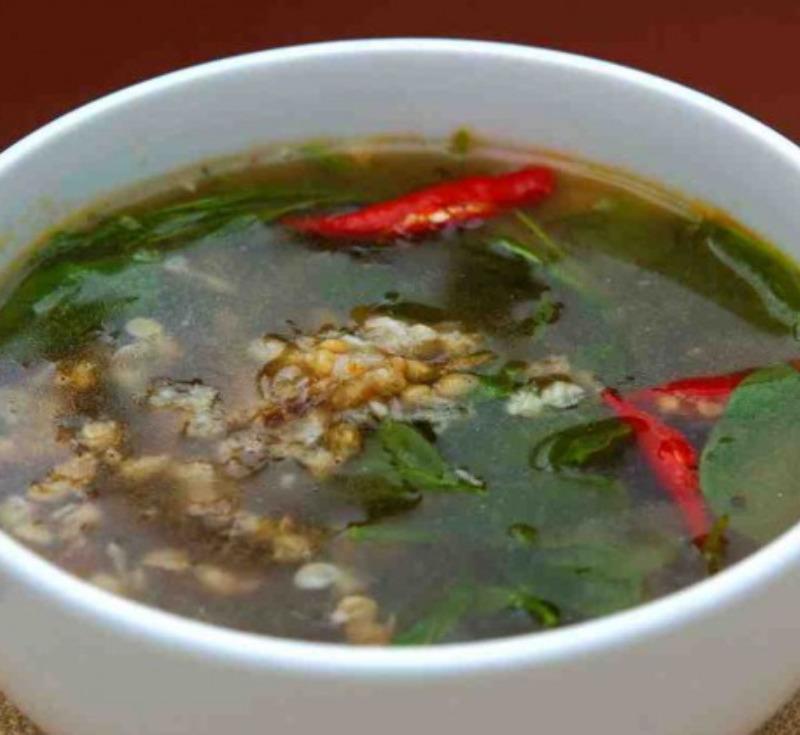 Gaeng Kai Mod Daeng Phak Wan (Ant Eggs Curry with Star Gooseberry)