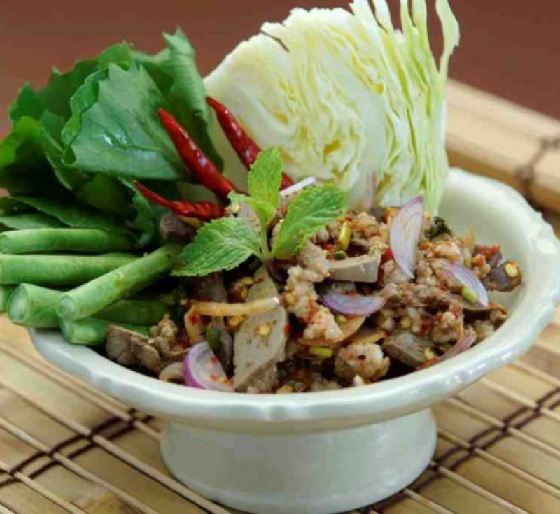 Laab Ped (Spicy Minced Duck)