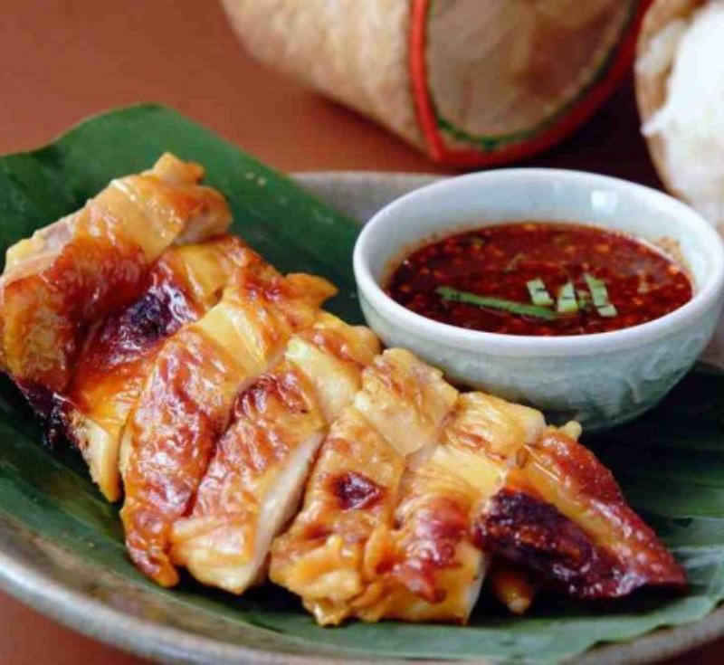Kai Yang (Vichean Buri)(Grilled Chicken in Vichean Buri Style)