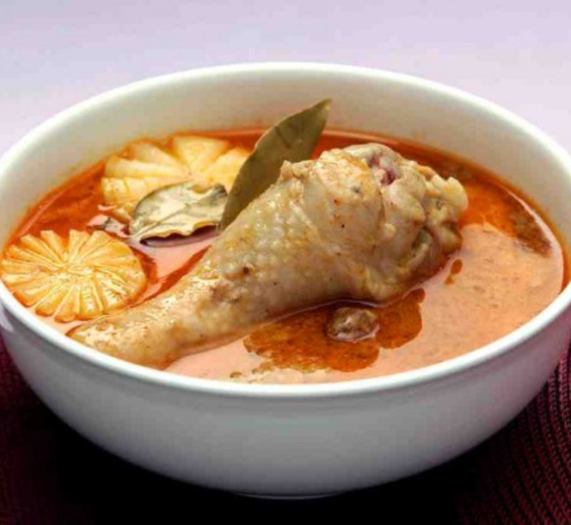 Massaman Kai (Massaman Curry with Chicken and Potatoes)
