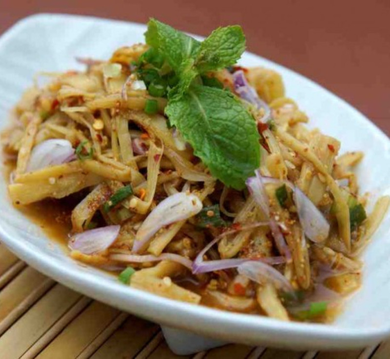 Sup Nor-Mai(Hot and Sour Bamboo Shoots Salad)