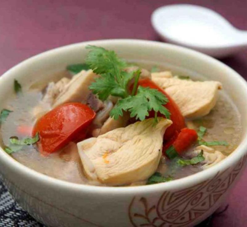 Tom Kai-Baan (Organic Free Range Chicken Curry)