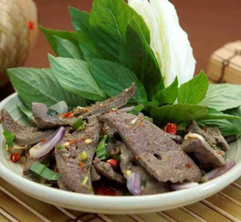Tub Wan (Spicy Pork Liver Salad)