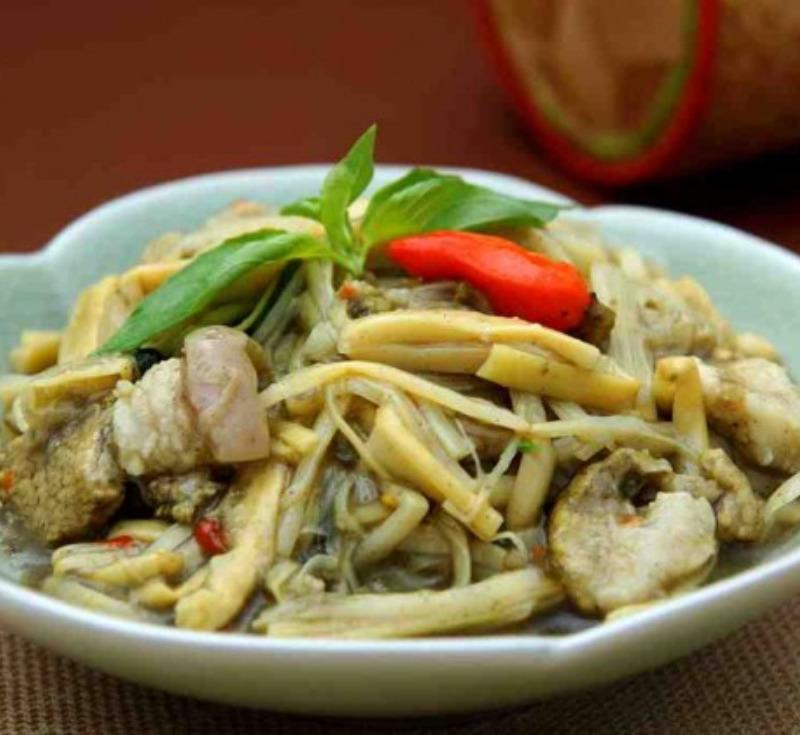 Mok Nor-Mai(Steamed Bamboo Shoot in Banana Leaf)