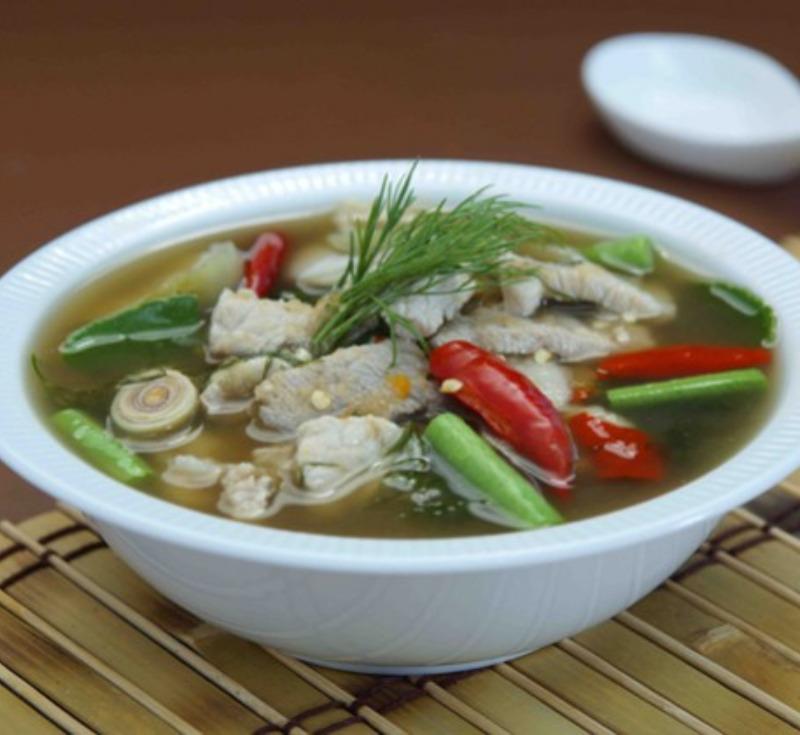 Gaeng Om-Moo (Pork Curry with Lemongrass)