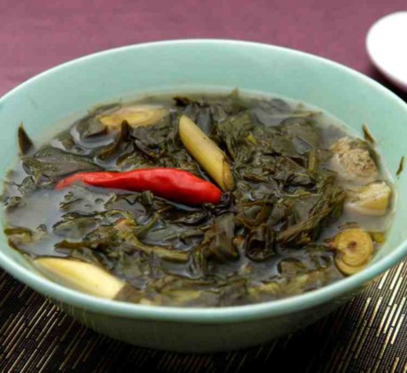 Gaeng Khilek (Thick Curry with Siamese Senna)