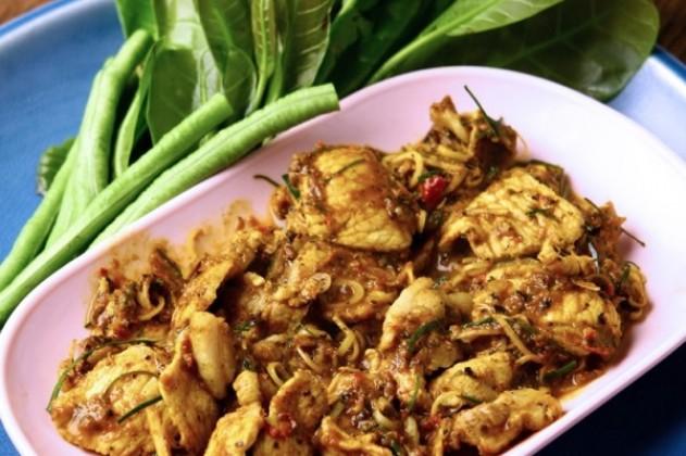 Thai food heritage kua kling moo dried pork curry kua kling moo dried pork curry you are here home recipes of thai food forumfinder Gallery